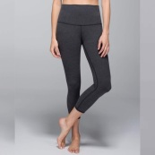 Cotton crop from Lululemon in dark Grey